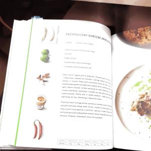 """O książce """"5 składników: Jamiego Oliviera 1"""